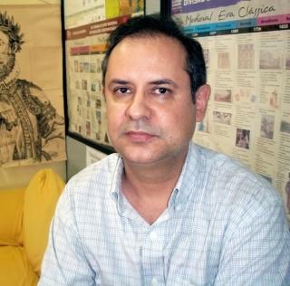 Professor de Português Jerônimo Pereira Junior - 24 anos de pro