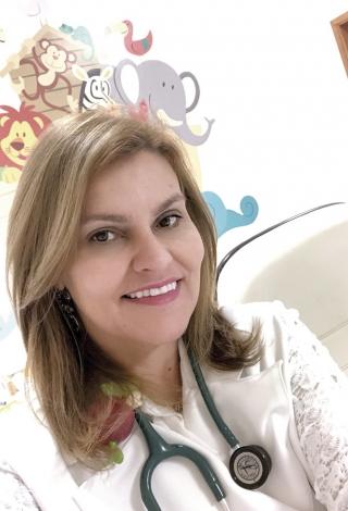 Dra. Cristina Grintaci Pediatra e Neonatologista. Especializada em prematuros,  recém-nascidos e pediatria em geral Formada em 2002 na Universidade São Francisco -Membro do Corpo Clínico da Santa Casa de Passos MG. Facebook: Dra Cristina Grintaci