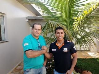 Marcelo Alves da Silva, o Mingau, e Francisco Baltazar dos Reis, o Chiquinho, parceiros na organização do Passos Motorcycles.