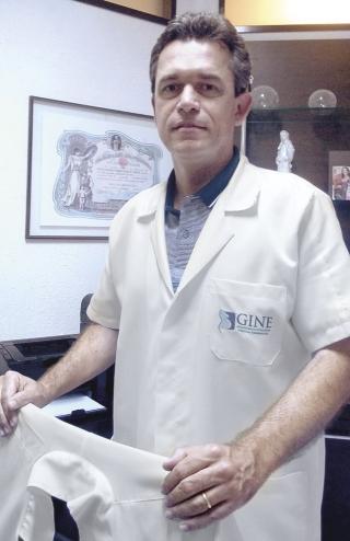 Dr. Fabian Silveira Lemos,  Ginecologista que atua em Medicina Reprodutiva.