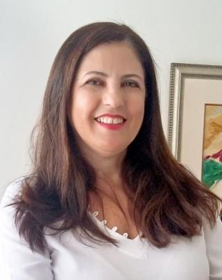 "Maria Paula Moraes Vasconcelos ginecologista, obstetra, coordenadora da Unidade Materno Infantil da Santa Casa de Passos e integrante da equipe multidisciplinar no projeto ""PARTO ADEQUADO�."