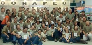 Zequinha (sentado ao centro) com a turma - CONAPEC Jr.
