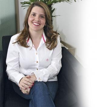 Dra. Julia Faleiros - Psiquiatra - Título de Especialista pela Associação Brasileira de Psiquiatria - CRM MG 47004
