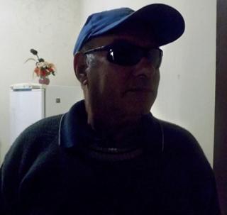 Vítima de roubo, o aposentado A.S.N. conta como os ladrões levaram seu carro.
