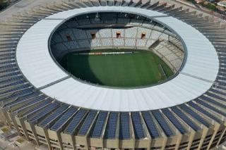 Pela primeira vez um estádio de Copa do Mundo receberá jogos com uma usina solar em pleno funcionamento (Foto: Renato Cobucci/Imprensa MG).