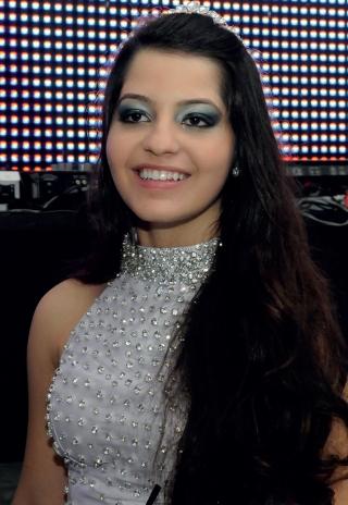 Larissa Grintaci Pereira Costa.