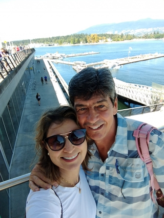 Andreína e Hebert durante passeio em Vancouver.