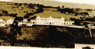 Santa Casa, recém-construída, em 1905 onde funciona até hoje. Na época a beleza de sua fachada causou grande admiração de todos.