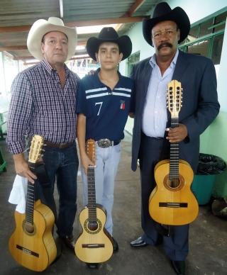 Kennedy com a dupla João Mulato & Douradinho.