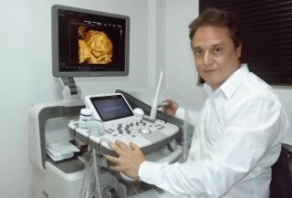 """Ginecologista Rodrigo Mendes Barreto: """"A reprodução humana assistida veio para facilitar a gravidez para os casais que estão tendo alguma dificuldade para engravidar.â€ÂÂÂÂÂ�"""