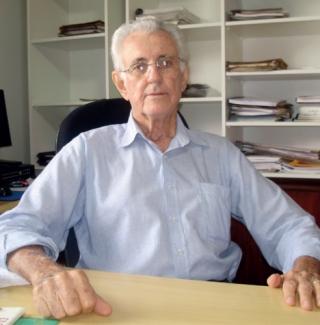 O Engenheiro Civil e Empresário Otaliro Silveira, com cerca de 50 anos de profissão.
