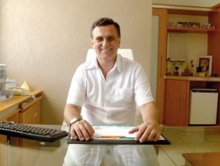 Dr. Marcelo Lemos Gomes, pediatra e endocrinologista.