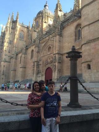 Carolina, Pedro e Antonio e a Catedral de Salamanca