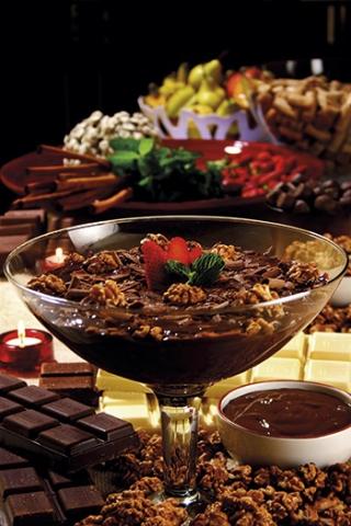 STROGONOFF DE CHOCOLATE E MORANGOS