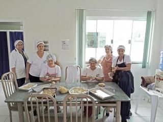 Equipe de Voluntários na padaria.