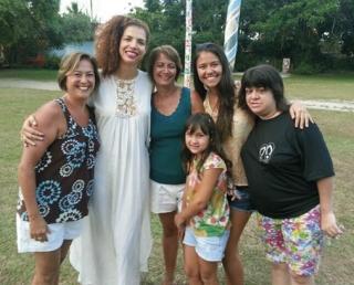 Família com Vanessa da Mata.