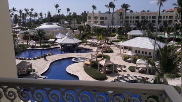 Iberoestar Grand Hotel Bavaro All Inclusive, vista fascinante das piscinas.
