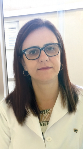 A médica Pediatra e Infectologista  Dra. Rosana Porto Viana Teixeira.