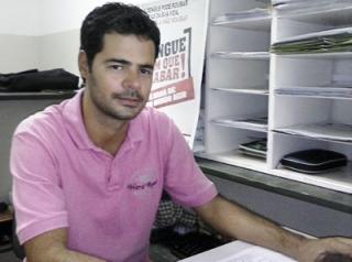 O diretor de Saúde Coletiva da Prefeitura de Passos, Michael Silveira Reis faz um apelo aos moradores de Passos para que compreendam a gravidade da situação e deixem os agentes entrarem em suas residências.