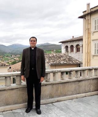Padre Robison Inácio de Souza - Pároco da Paróquia de São Benedito em Passos.