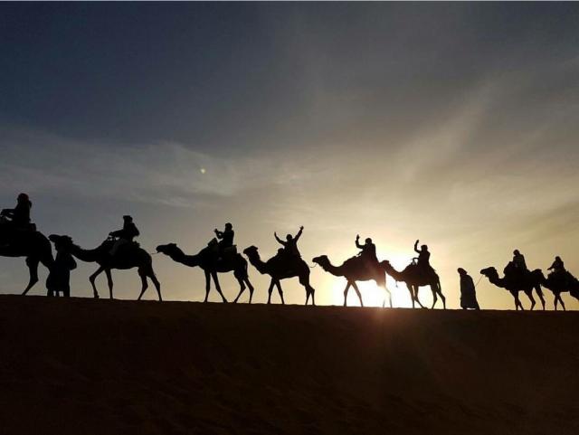Marrocos, via MundiTur, atravessando o deserto do Saara.