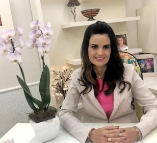 Dra. Fernanda Leonel Nunes Imunologista, Alergista e Reumatologista. E-mail: fernandaleonelnunes@gmail.com