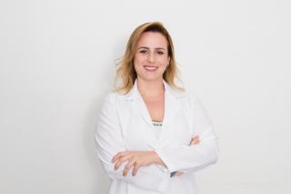 Viviane Costa: assistente social que trabalha com micropigmentação paramédica.