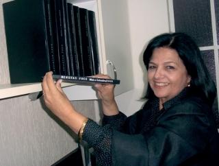 """Maria Augusta Gonçalves Oliveira orgulha-se da sua coleção: """"Tenho desde o primeiro número (maio de 2005), que ainda era em tamanho menor. Em outubro de 2005, ela passou para o tamanho atual.�"""