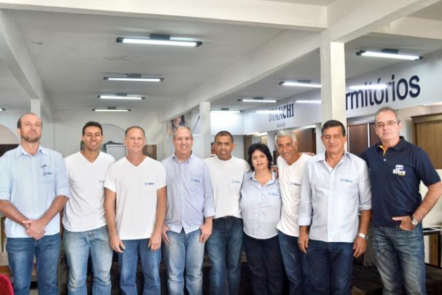 Luciano Silveira Goulart e sua equipe.