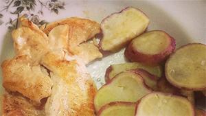 Frango com batata.