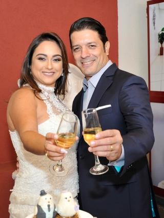 Alessandro Leonardo de Oliveira e Ludmila Esper Monteiro
