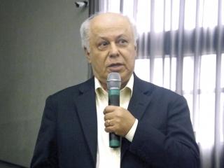 Dr. Ademar Lopes do A.C. Camargo Cancer Center, de São Paulo, referência em pesquisas e desenvolvimento de técnicas cirúrgicas de combate ao câncer, tendo entre seus pacientes, o vice-presidente da República José Alencar, falecido em 2011.