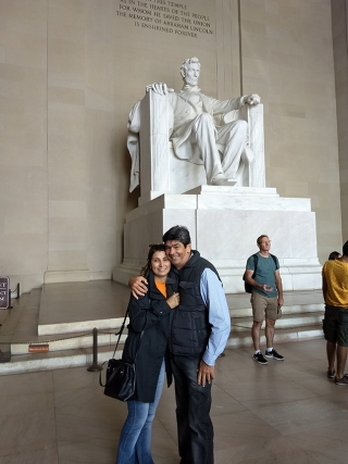 Momento especial ao visitar o Memorial ÃÆ'  Lincoln em Washington DC.