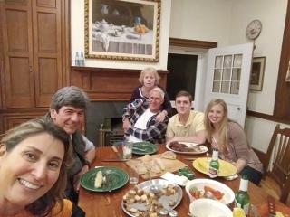 Com minha irmã americana e famíliares, diz Hebert sobre o reencontro com Jean em Lessburg.