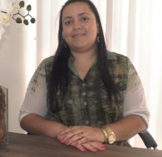 """A psicóloga Iácara Caroline de Lima Nogueira é """"MBA em Gestão de Pessoas� e """"Coaching Personal & Professional�. Atua em clínica."""