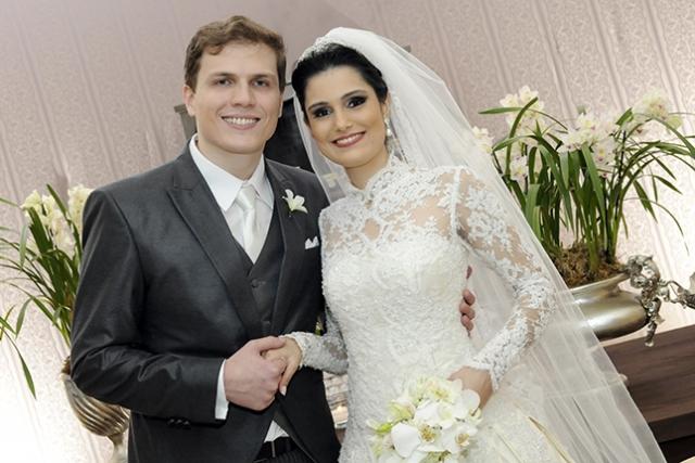 Mauro César Silveira Moreira e Mariana Soares Freire