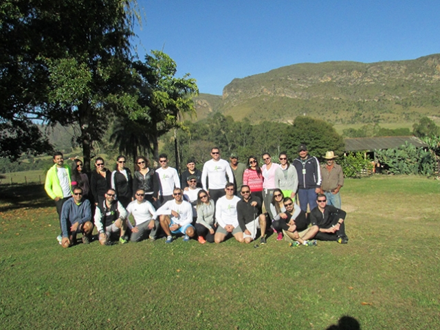 Grupo que participou do Trekking antes de subir a Serra.