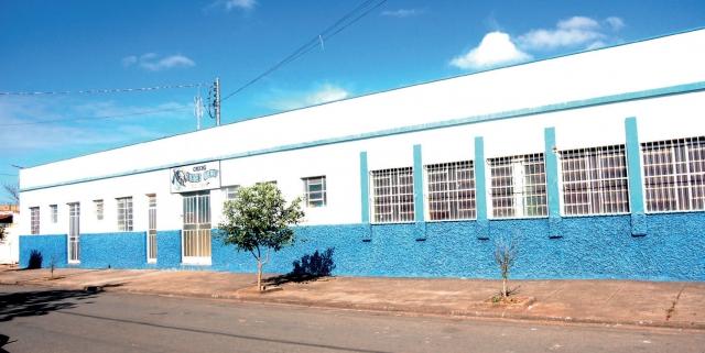 Fachada da Creche Dolores Queiroz localizada no bairro Nossa Senhora de Lourdes.