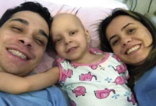 Alberto Neto (Pai), Sofia e sua mãe Gabriela.