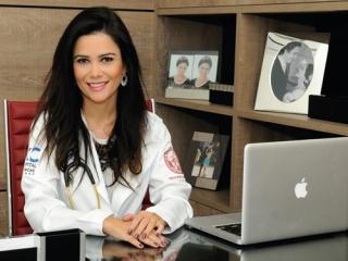 Dra. Tassiane Alvarenga, especialista em Endocrinologia e Metabologia pela USP: