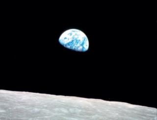 Earth Rising (nascer da Terra), tirada em 1968.
