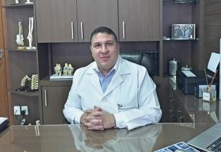 """O ortopedista Henderson Maldi Velloso: """"Tanto a osteoporose quanto a osteoartrose são doenças crônicas, que evoluem com a idade da pessoa, mas podem ter seus efeitos aliviados com diagnóstico e tratamento corretos.�"""