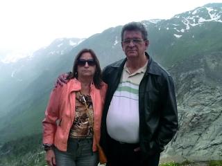 Durante a passagem pela Suíça o casal não poderia deixar de passar pelos tradicionais Alpes Suíços, local desbravado pelos romanos, que muito chamou a atenção da professora de História Maria da Graça.