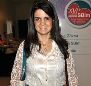 Dra. Fernanda Leonel Nunes, médica imunologista credenciada pela SBIm.
