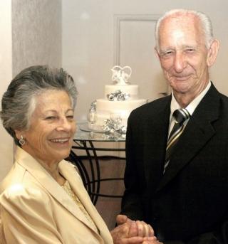 Aparecida e Orley Baldini - Bodas de diamante. No dia 28 de dezembro de 2011, Aparecida e Orley Baldini, comemoraram Bodas de Diamante - 60 anos de casados - com recepção no Auto Espaço Eventos.