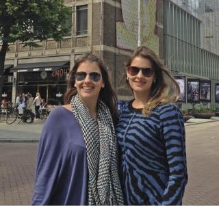Camila e Gabriela na Timmerhuis de Rotterdam (Holanda), projeto do escritório OMA para alcançar mais eficiência e sustentabilidade.