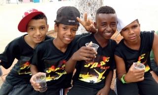 """Membros do grupo """"Space Dance� que ganhou em 1º lugar no Festival de Hip Hop da Fesp de 2012."""