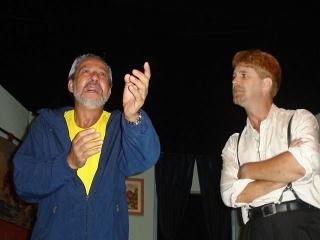 """Urias e Chiquinho numa das cenas da peÃÆ'Ã'§a â₁""""Aula NÃÆ'Ã'ºmero Doisâ€ÂÂÂÂÂÂ�, em 2006, no Teatro Rotary"""
