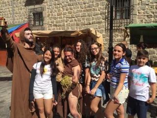 Alunos na Feira Medieval em Avila.