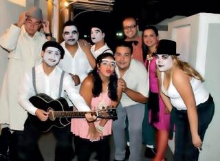 """Parte do elenco da peça """"A Surpresa de Onofre� montada em 2011 para a 2ª edição do programa de Necroturismo do Lar São Vicente de Paulo."""